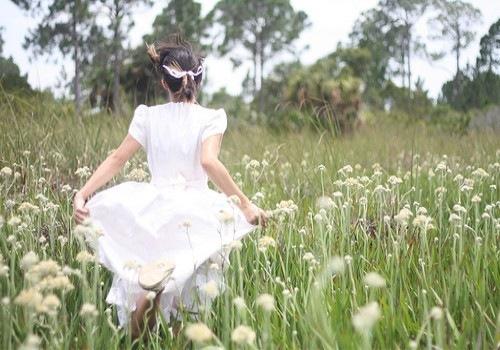 夏天的句子短句唯美 朋友圈天气热的说说短句